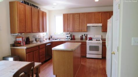 Kitchen--10140 Broadsword